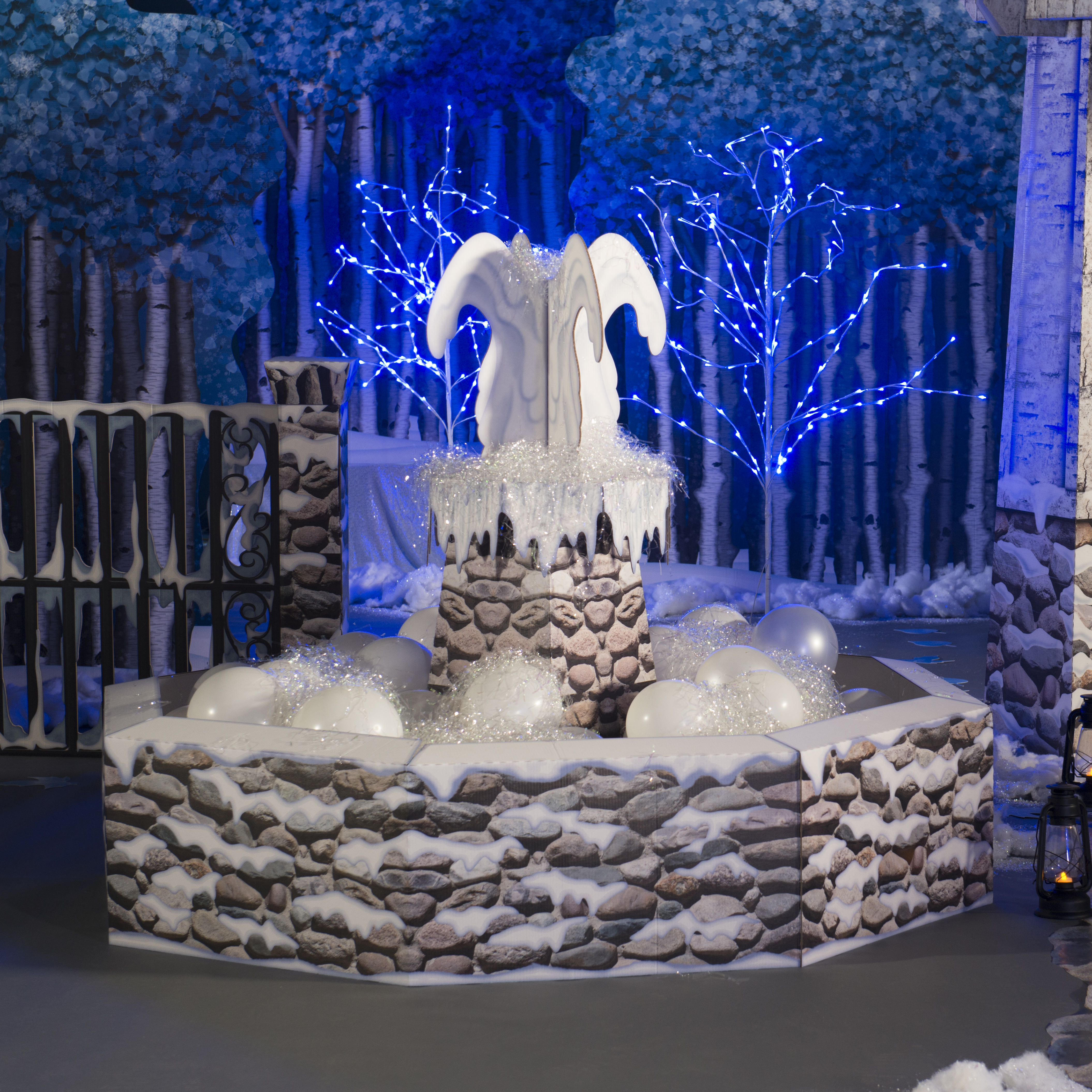Winter Garden Party Ideas Part - 33: Use The Winter Garden Fountain To Create A Focal Point For Your Party.  White Latex Balloons And White Shred Add Sparkle And Charm While Creating  The Look Of ...